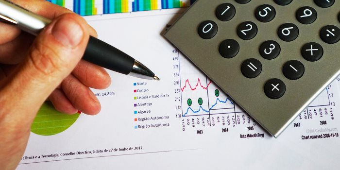 Investment Analyst job description template